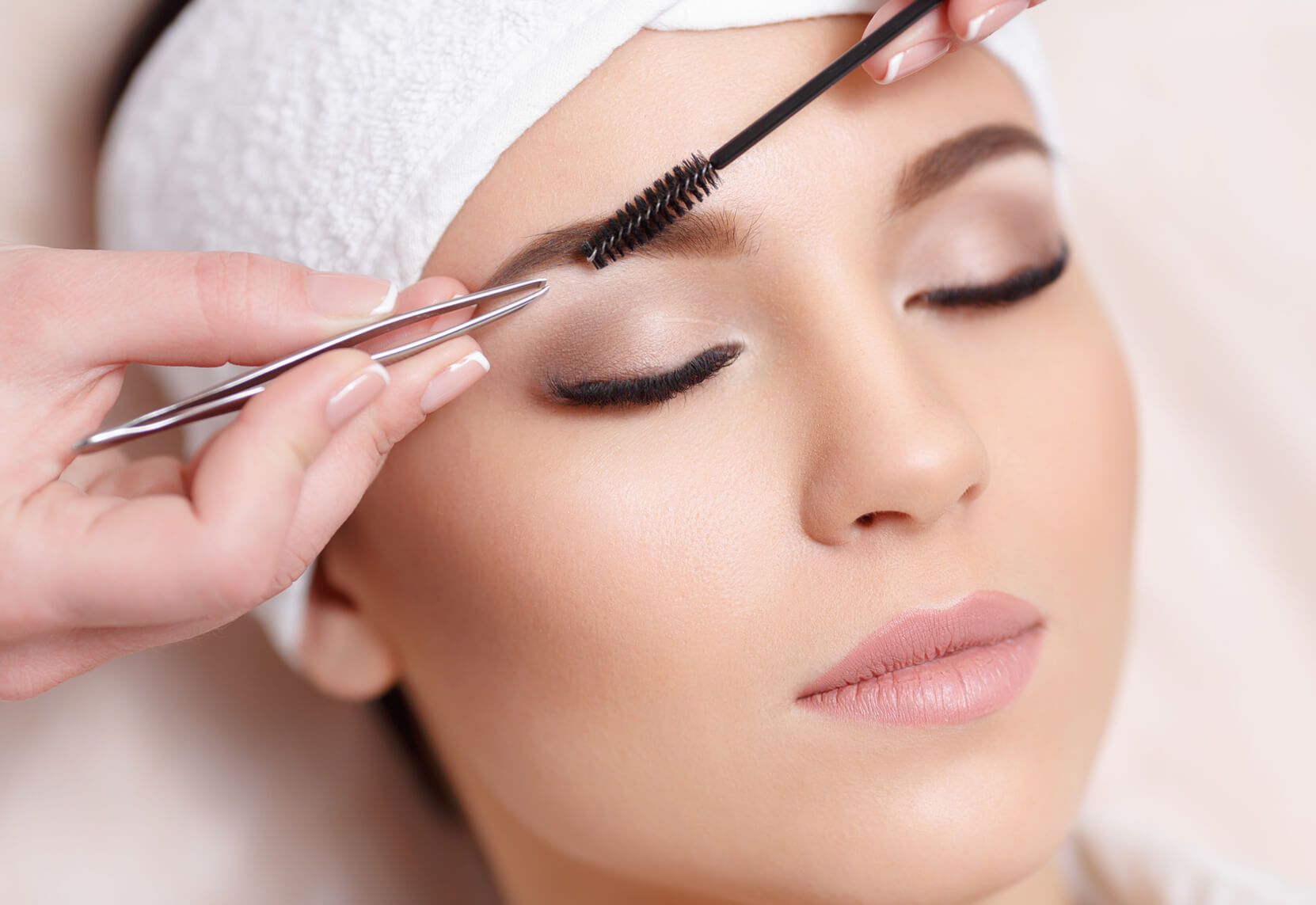#Brows & Lashes BeautyBar